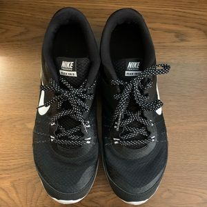 Nike Running Shoes Women's Size 9 Black and White